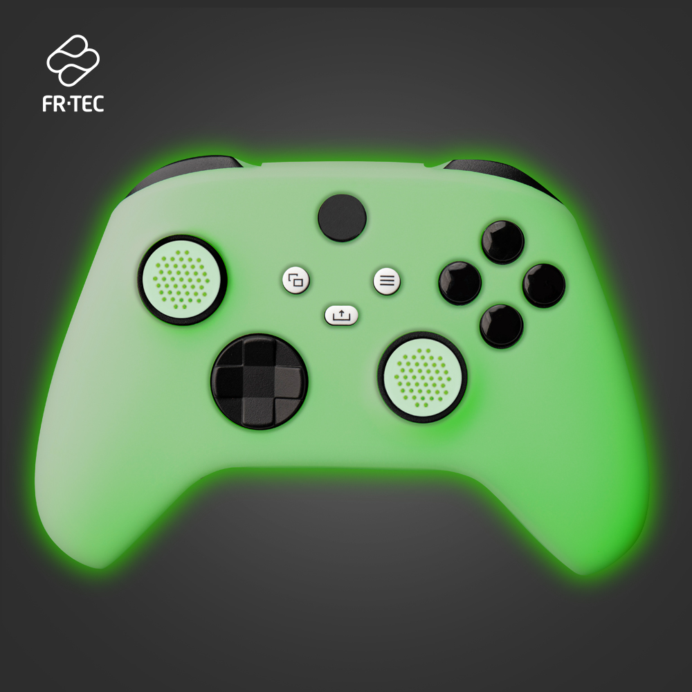 FT3005 - XBOX SERIES X Silicone Glow In The Dark - Web - 1A